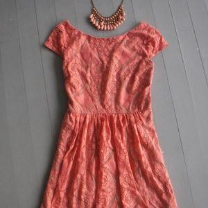 Cute Peach Lace Short Sleeve Pleated Dress